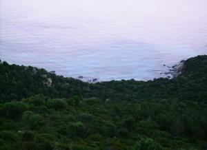 Uno scorcio di mare lungo la strada Villasimius - Costa Rey