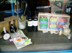 Vetrina di prodotti tipici a Villasimius